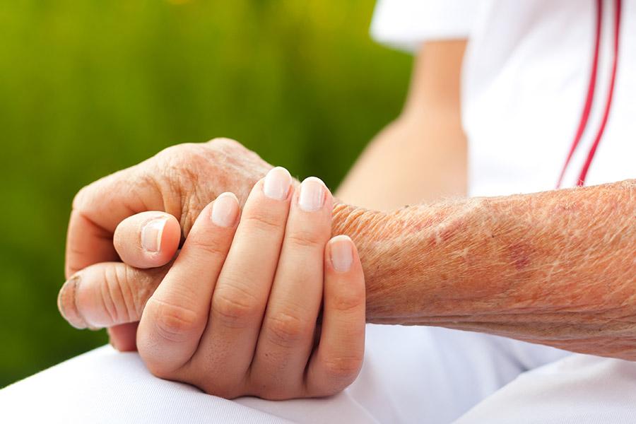 Les soins d'accompagnement et de fin de vie, et la prise en charge de la douleur